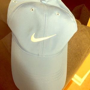 ✔️✔️EUC MEN'S NIKE DRI FIT HAT✔️✔️